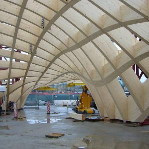 SAGA - Episode 2 : La construction du Pavillon français pour l'Exposition universelle de Milan 2015. Un cahier des charges ambitieux relevé grâce à la technique du bois lamellé-collé.