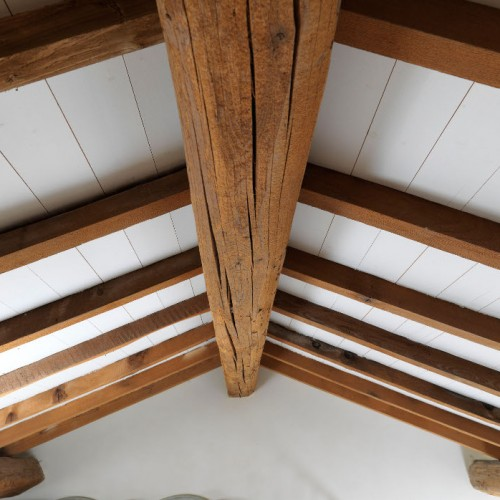 Conférer de la durabilité aux bois : la place de la chimie dans le bâtiment